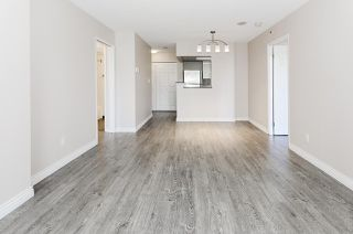 "Photo 5: 308 55 TENTH Street in New Westminster: Downtown NW Condo for sale in ""Westminster Towers"" : MLS®# R2353028"