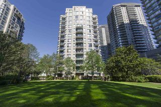 """Photo 11: 308 55 TENTH Street in New Westminster: Downtown NW Condo for sale in """"Westminster Towers"""" : MLS®# R2353028"""