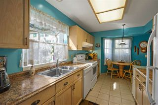 """Photo 5: 113 12233 92 Avenue in Surrey: Queen Mary Park Surrey Townhouse for sale in """"Orchard Lake"""" : MLS®# R2356015"""