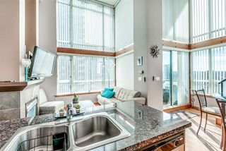 "Photo 4: 429 10 RENAISSANCE Square in New Westminster: Quay Condo for sale in ""Murano Lofts by Aragon"" : MLS®# R2357419"