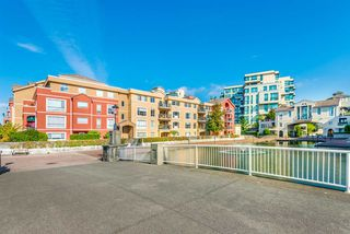 "Photo 17: 429 10 RENAISSANCE Square in New Westminster: Quay Condo for sale in ""Murano Lofts by Aragon"" : MLS®# R2357419"