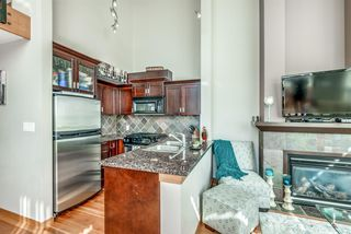 "Photo 5: 429 10 RENAISSANCE Square in New Westminster: Quay Condo for sale in ""Murano Lofts by Aragon"" : MLS®# R2357419"