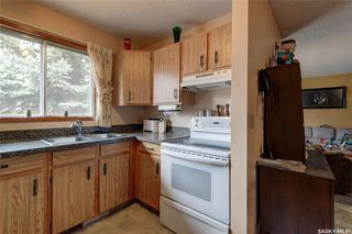 Photo 9: 332 Russell Road in Saskatoon: Silverwood Heights Residential for sale : MLS®# SK770395