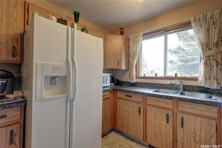 Photo 8: 332 Russell Road in Saskatoon: Silverwood Heights Residential for sale : MLS®# SK770395