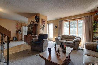 Photo 4: 332 Russell Road in Saskatoon: Silverwood Heights Residential for sale : MLS®# SK770395
