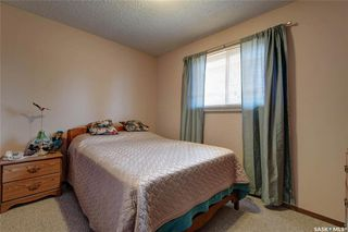 Photo 15: 332 Russell Road in Saskatoon: Silverwood Heights Residential for sale : MLS®# SK770395