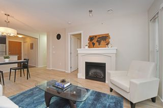 "Photo 3: 401 3082 DAYANEE SPRINGS Boulevard in Coquitlam: Westwood Plateau Condo for sale in ""THE LANTERNS"" : MLS®# R2376172"