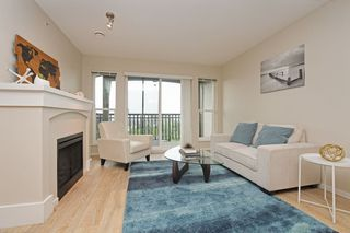 "Photo 2: 401 3082 DAYANEE SPRINGS Boulevard in Coquitlam: Westwood Plateau Condo for sale in ""THE LANTERNS"" : MLS®# R2376172"
