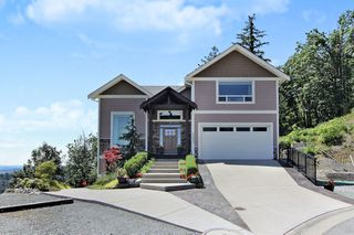 "Photo 1: 36402 ESTEVAN Court in Abbotsford: Abbotsford East House for sale in ""FALCON RIDGE"" : MLS®# R2379792"