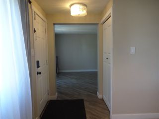 Photo 2: 53 Oak Ridge Drive in Edmonton: Zone 42 Mobile for sale : MLS®# E4161772