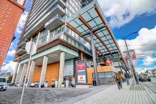 Photo 2: 2107 8555 GRANVILLE Street in Vancouver: S.W. Marine Condo for sale (Vancouver West)  : MLS®# R2381251