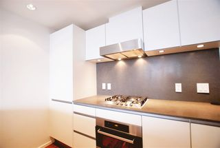 Photo 13: 2107 8555 GRANVILLE Street in Vancouver: S.W. Marine Condo for sale (Vancouver West)  : MLS®# R2381251