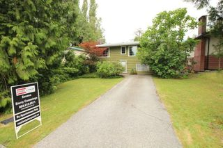 Photo 2: 452 W 23RD Street in North Vancouver: Central Lonsdale House for sale : MLS®# R2384730