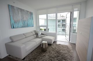 "Photo 7: 2807 908 QUAYSIDE Drive in New Westminster: Quay Condo for sale in ""RIVERSKY BY BOSA"" : MLS®# R2386526"