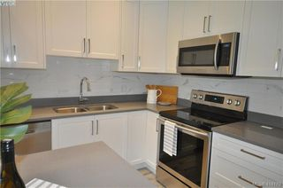Photo 4: 103 817 Arncote Ave in VICTORIA: La Langford Proper Row/Townhouse for sale (Langford)  : MLS®# 821461