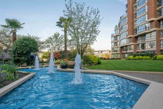 """Photo 15: G02 1470 PENNYFARTHING Drive in Vancouver: False Creek Condo for sale in """"HARBOUR COVE"""" (Vancouver West)  : MLS®# R2396759"""