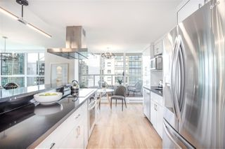 """Photo 7: 901 717 JERVIS Street in Vancouver: West End VW Condo for sale in """"Emerald West"""" (Vancouver West)  : MLS®# R2421913"""
