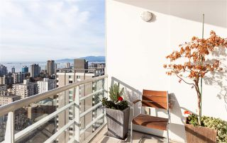 """Photo 14: 2501 1200 ALBERNI Street in Vancouver: West End VW Condo for sale in """"PALISADES"""" (Vancouver West)  : MLS®# R2428851"""