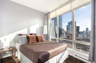 """Photo 12: 2501 1200 ALBERNI Street in Vancouver: West End VW Condo for sale in """"PALISADES"""" (Vancouver West)  : MLS®# R2428851"""