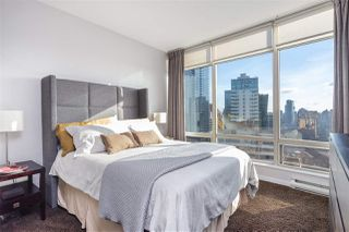 """Photo 10: 2501 1200 ALBERNI Street in Vancouver: West End VW Condo for sale in """"PALISADES"""" (Vancouver West)  : MLS®# R2428851"""