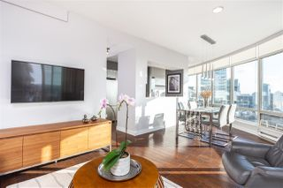 """Photo 3: 2501 1200 ALBERNI Street in Vancouver: West End VW Condo for sale in """"PALISADES"""" (Vancouver West)  : MLS®# R2428851"""