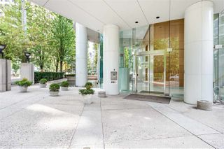 """Photo 18: 2501 1200 ALBERNI Street in Vancouver: West End VW Condo for sale in """"PALISADES"""" (Vancouver West)  : MLS®# R2428851"""