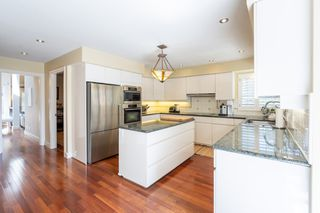 Photo 18: 2218 INGLEWOOD Avenue in West Vancouver: Dundarave House for sale : MLS®# R2473358