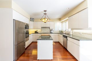 Photo 19: 2218 INGLEWOOD Avenue in West Vancouver: Dundarave House for sale : MLS®# R2473358