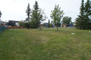 Photo 2: 271 HAWKVILLE Close NW in Calgary: Hawkwood Residential for sale : MLS®# A1019161