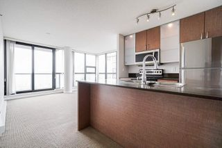 """Main Photo: 3106 909 MAINLAND Street in Vancouver: Yaletown Condo for sale in """"YALETOWN PARK 2"""" (Vancouver West)  : MLS®# R2500200"""