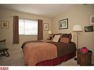 """Photo 9: 311 20120 56TH Avenue in Langley: Langley City Condo for sale in """"Blackberry Lane I"""" : MLS®# F1117783"""