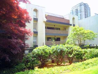 "Photo 10: 108 1955 WOODWAY Place in Burnaby: Brentwood Park Condo for sale in ""DOUGLAS VIEW"" (Burnaby North)  : MLS®# V920575"