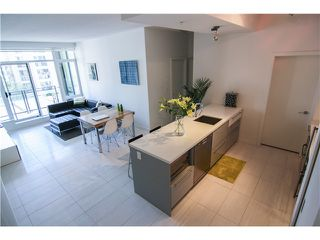 """Photo 3: 404 1252 HORNBY Street in Vancouver: Downtown VW Condo for sale in """"Pure"""" (Vancouver West)  : MLS®# V1042698"""