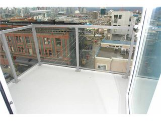 """Photo 5: 502 250 E 6TH Avenue in Vancouver: Mount Pleasant VE Condo for sale in """"District"""" (Vancouver East)  : MLS®# V1047852"""