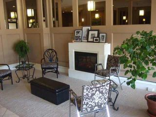 "Photo 2: 309 1480 FOSTER Street: White Rock Condo for sale in ""WHITE ROCK SQUARE 1"" (South Surrey White Rock)  : MLS®# F1436480"