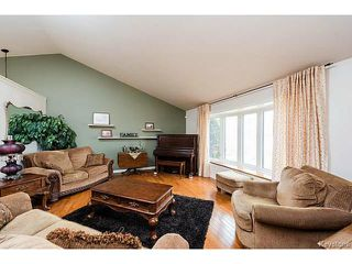 Photo 4: 18 MCDOUGALL Road North in LORETTE: Dufresne / Landmark / Lorette / Ste. Genevieve Residential for sale (Winnipeg area)  : MLS®# 1507451