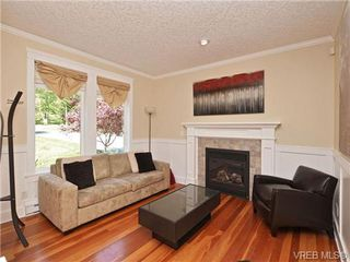 Photo 2: 1965 W Burnside Rd in VICTORIA: VR Hospital House for sale (View Royal)  : MLS®# 701142