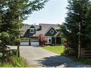 Photo 1: 1965 W Burnside Rd in VICTORIA: VR Hospital House for sale (View Royal)  : MLS®# 701142