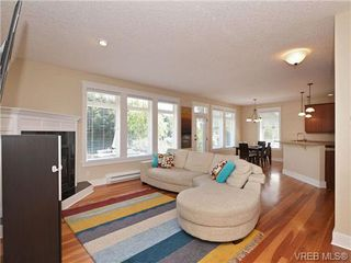 Photo 6: 1965 W Burnside Rd in VICTORIA: VR Hospital House for sale (View Royal)  : MLS®# 701142