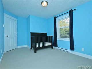 Photo 13: 1965 W Burnside Rd in VICTORIA: VR Hospital House for sale (View Royal)  : MLS®# 701142