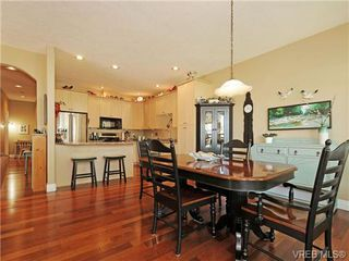 Photo 8: 8 5164 Cordova Bay Rd in VICTORIA: SE Cordova Bay Row/Townhouse for sale (Saanich East)  : MLS®# 704270