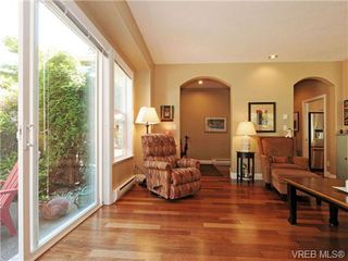 Photo 5: 8 5164 Cordova Bay Rd in VICTORIA: SE Cordova Bay Row/Townhouse for sale (Saanich East)  : MLS®# 704270