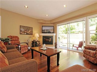 Photo 4: 8 5164 Cordova Bay Rd in VICTORIA: SE Cordova Bay Row/Townhouse for sale (Saanich East)  : MLS®# 704270