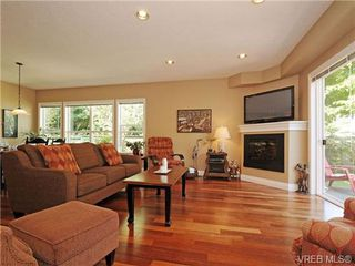 Photo 2: 8 5164 Cordova Bay Rd in VICTORIA: SE Cordova Bay Row/Townhouse for sale (Saanich East)  : MLS®# 704270