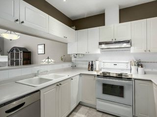 """Photo 3: PH13 511 W 7TH Avenue in Vancouver: Fairview VW Condo for sale in """"Beverly Gardens"""" (Vancouver West)  : MLS®# V1140622"""
