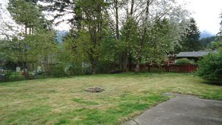 "Photo 3: 1006 ARBUTUS Drive in Squamish: Valleycliffe House for sale in ""VALLEYCLIFF"" : MLS®# R2058204"