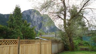 "Photo 12: 1006 ARBUTUS Drive in Squamish: Valleycliffe House for sale in ""VALLEYCLIFF"" : MLS®# R2058204"