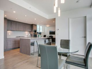 "Photo 11: 905 728 W 8TH Avenue in Vancouver: Fairview VW Condo for sale in ""700 WEST8TH"" (Vancouver West)  : MLS®# R2082142"