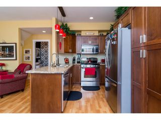 "Photo 11: 23140 BILLY BROWN Road in Langley: Fort Langley Condo for sale in ""Bedford Landing"" : MLS®# R2099281"