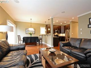 Photo 4: 962 Tayberry Terr in VICTORIA: La Happy Valley Single Family Detached for sale (Langford)  : MLS®# 754956
